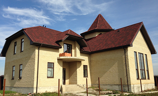 Однувилла дом коричневый